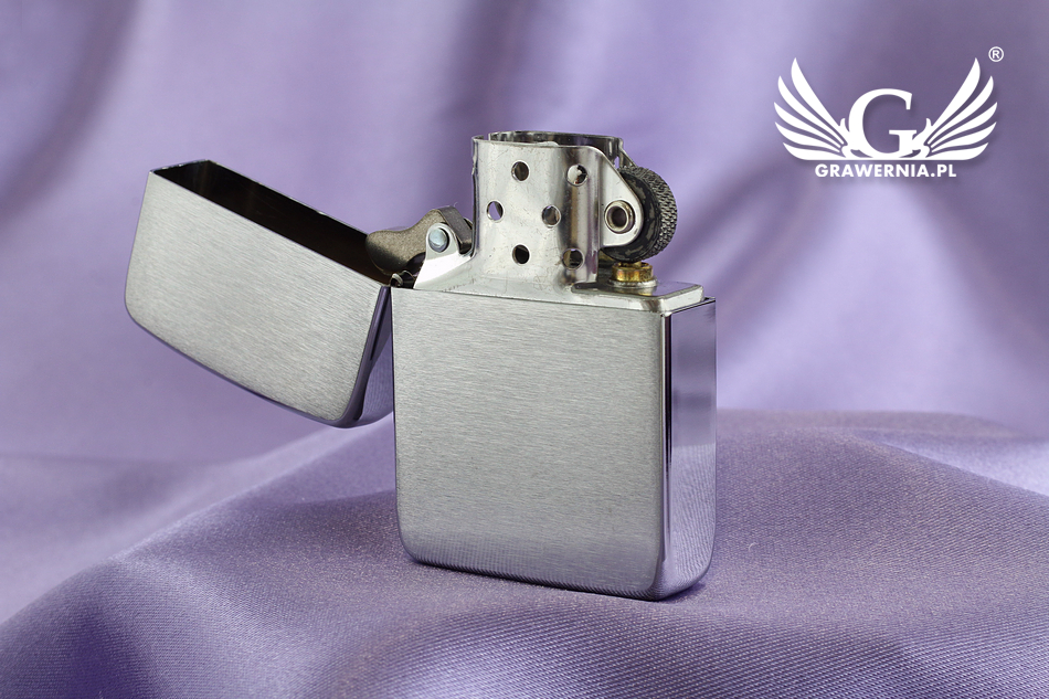 Zapalniczka ZIPPO 1941 Replica Brushed Chrome